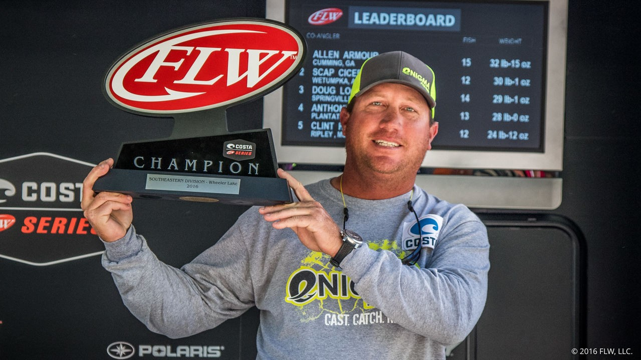 Dortch Wins FLW Series on Wheeler Lake