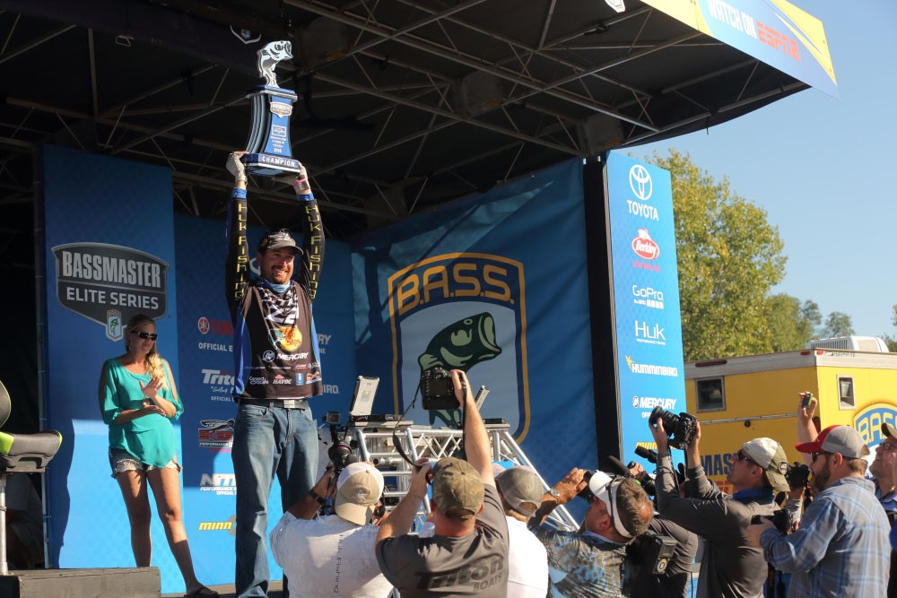 Ott DeFoe Wins Elite Series Mississippi River