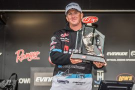Schmitt wins FLW Tour on Mississippi River