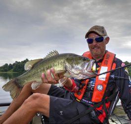 Shallow Cranking Kayak Fishing
