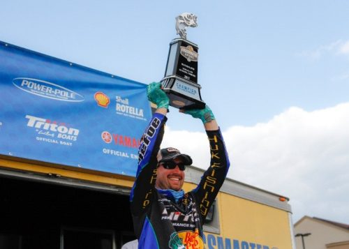 Defoe Wins Bassmaster Open on Douglas Lake