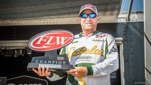 Reynolds Wins FLW on Lake Texoma
