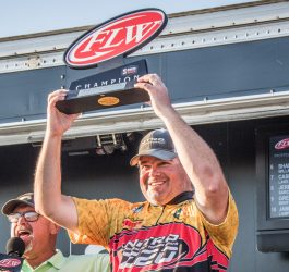 Dickneite Wins FLW Series on Lake of the Ozarks